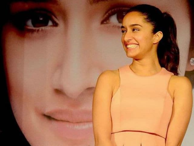 Shraddha Kapoor Will Sing 'All Her Songs' in Rock On 2!!