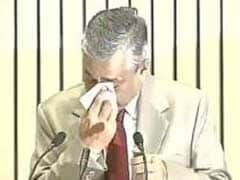 Chief Justice TS Thakur Breaks Down Before PM Modi, Says Need More Judges