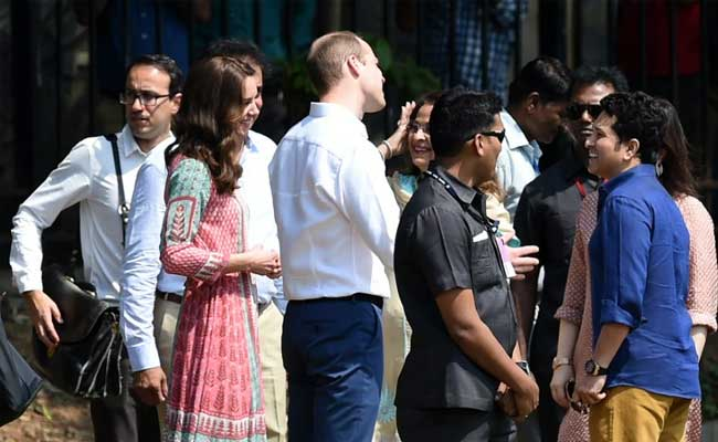 In Mumbai, Kate Middleton Plays Cricket With Sachin Wearing Anita Dongre