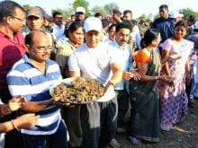 Aamir Khan Visits Drought-Hit Warud to Promote Water Conservation