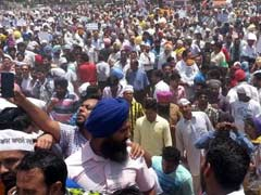 Thousands Stopped At Chandigarh Border Amid AAP Protests