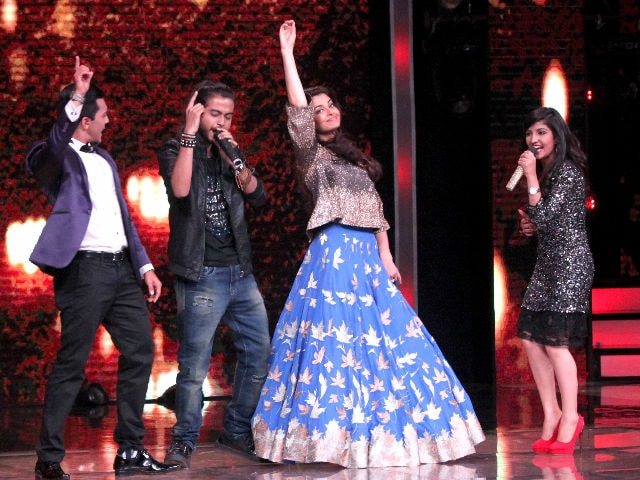Much Aishwarya, Such Wow  Watch Her Dance to Dola Re, Dhoom