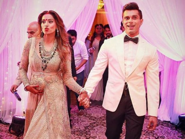 Bipasha Posts Video From Wedding in Which Karan Sings Her Favourite Song