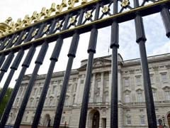 Man Arrested In Buckingham Palace Grounds After Scaling Wall