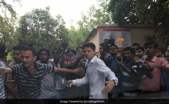 'They Are Breaking The Car Apart' Tweets Film Director At Jadavpur University