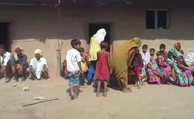 महाराष्ट्र : बुलढाणा में एक किसान परिवार के तीन सदस्य ने की खुदकुशी, चौथे की हालत नाज़ुक