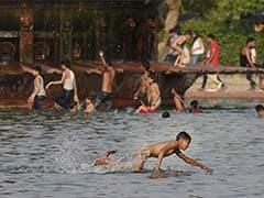Delhi Reels Under Scorching Heat, Temperature Settles At 42 Degrees Celsius