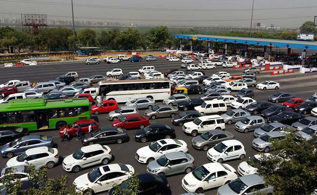 Chaos At Delhi's DND Flyway As Protestors Take Over