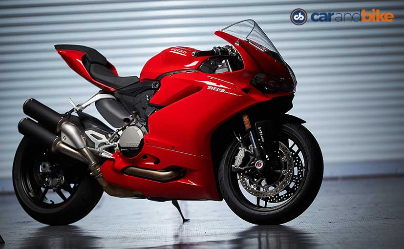 ducati 959 panigale first ride review ndtv carandbike. Black Bedroom Furniture Sets. Home Design Ideas