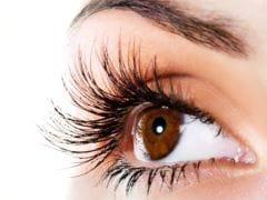 इन गर्मियों में यूं करें आंखों की देखभाल