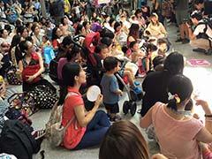 Breastfeeding Flash Mob Takes Over Hong Kong Train Station