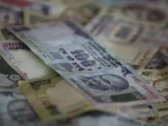 Rupee Edges Lower Against Dollar; Falls To 67.25