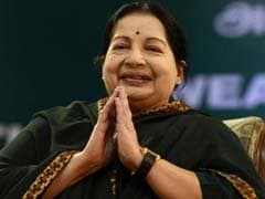Jayalalithaa Applauds Mamata Banerjee For Winning Second Term