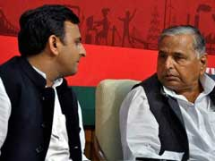 Akhilesh Or Mulayam As UP Chief Minister? Yadav Battle Gets Ugly