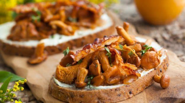 mushroom bacon toast