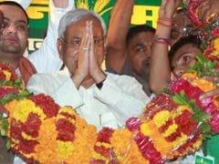 Nitish Kumar Asks Akhilesh Yadav To Ban Liquour In Uttar Pradesh