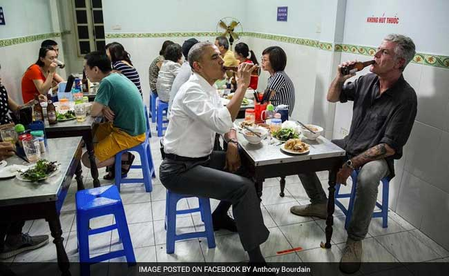 Obama Drop-In For Pork Soup Stuns Street Shop Owner