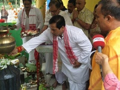 In Assam, BJP's Sonowal Starts Day At Temple, Asks For 'People's Blessings'