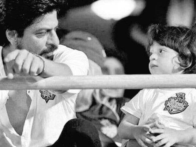 Shah Rukh Khan and AbRam Are Fully Prepped to Cheer Kolkata Knight Riders