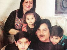 This Pic of Little Sonakshi Sinha With Family is Asli Sona