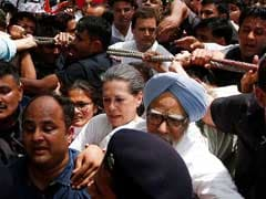 Gandhis' Brief Stop At Police Station After Defying Orders For March