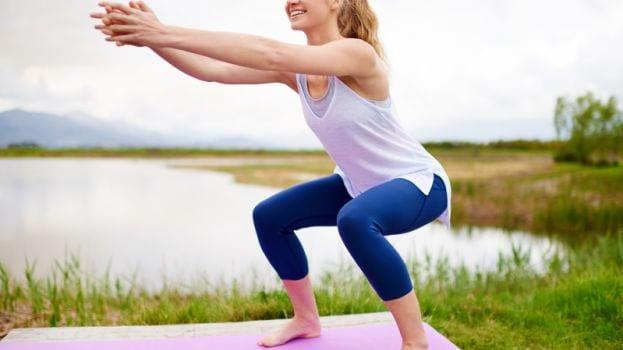太ももが気になる女性へ…。スクワットで美しく痩せよう!