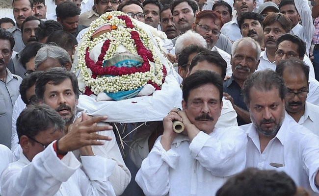 Subrata Roy is out on parole to attend his mother's funeral