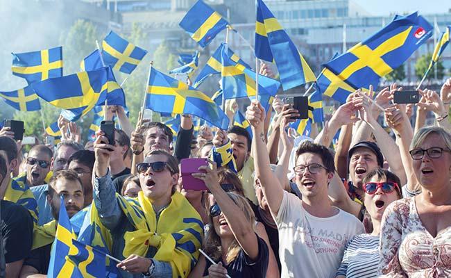 """Švédsko zařadí """"genderové projevy a sexuální příslušnost"""" mezi zločiny z nenávisti a říká, že rasa je nevědecká"""