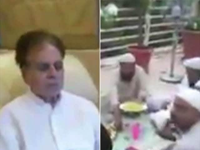 Dilip Kumar Shares Video of Iftaar With Wife Saira Banu and Friends