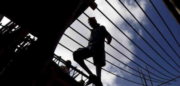 Government Needs To Speed Up Reforms To Push Growth: Survey