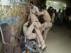 Caught on Camera: Lucknow Policemen Brawl In Public, Allegedly Over Bribe