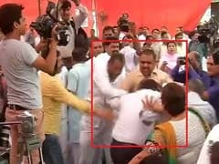 Civic Body Meet Witnesses Scuffle, Censure Motion Against AAP Government