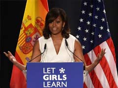 Popular First Lady Michelle Obama Aims To Boost Hillary Clinton