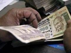 Rupee Faces Longest Run Of Weekly Losses Since May Amid Outflows