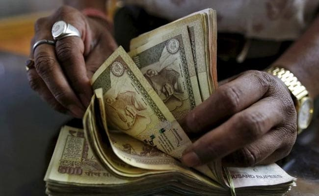 Rupee Weakens 10 Paise Against Dollar To 67.06