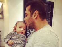 <I>Sultan Ka</i> Style: This Pic of Salman Khan And Baby Ahil is Super Cute