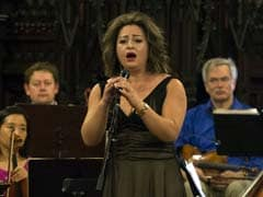 Syrian Opera Singer Performs With US Refugee Orchestra