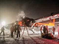 South Pole Rescue Flight Of 2 Sick US Workers Arrives In Chile