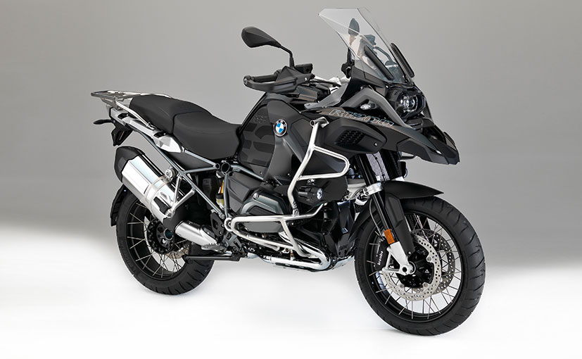 bmw motorrad updates the 39 r1200 39 range of its motorcycles. Black Bedroom Furniture Sets. Home Design Ideas