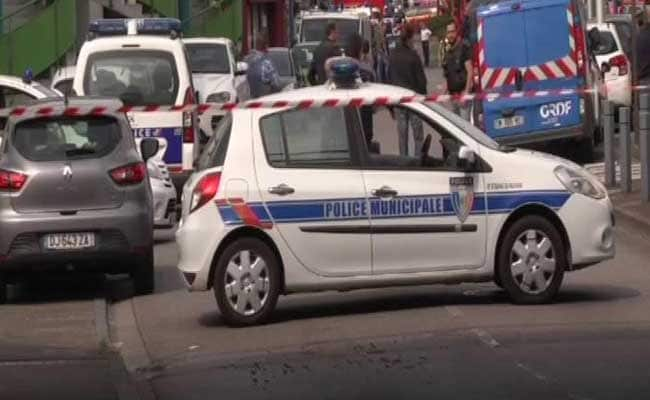 Police operation underway in Paris train station