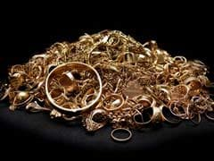 Gold Prices Glitter, Hit Over 1-Month High On Firm Global Cues