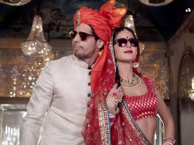Katrina Kaif Rocks This Party. Put Your Kala Chashma On