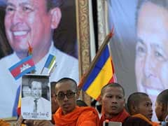 Thousands In Funeral March For Dead Cambodia Activist