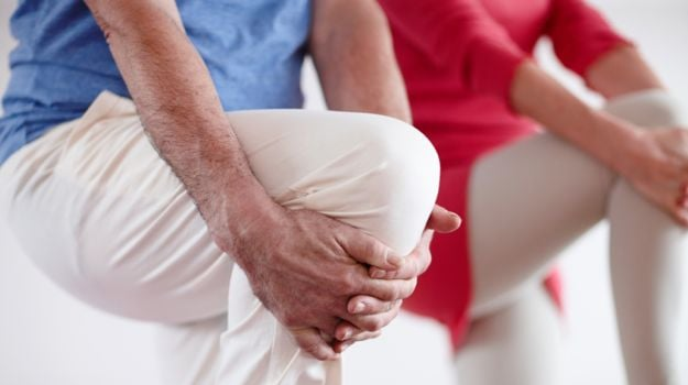 Painful Knees? Online Intervention Can Be Your Solution