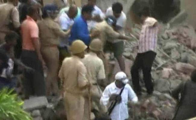 Four die in building demolition in India