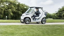 Mercedes-Benz Teams Up With Garia to Make Luxury Golf Cart