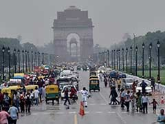 Humid Day In Delhi, Light Drizzle Later In The Evening