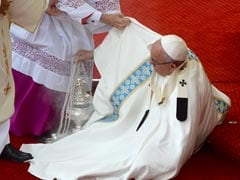 Pope Francis Misses Step And Falls During Mass, Escapes Injury