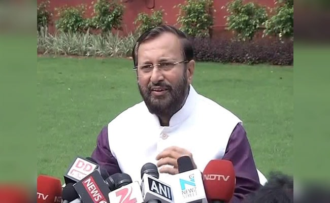 Prakash Javadekar Felicitates Underprivileged Students Who Scored Well In Class 12