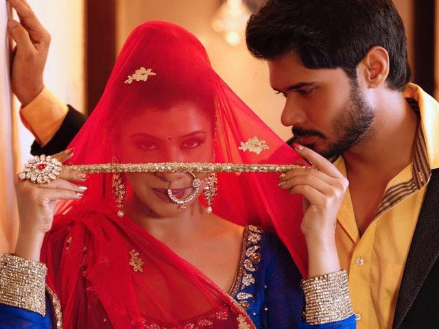 See pics: Jubilant bride Sambhavna Seth marries boyfriend Avinash Dwivedi